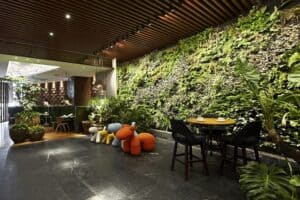 Hotels-check-in-to-greener-thinking